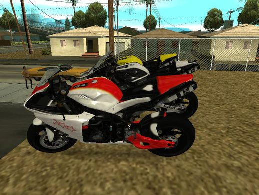 2012 Yamaha YZF R1 red and white
