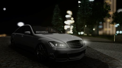 Mercedes-Benz S65 Rus Stance
