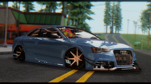 Audi RS5 Stance