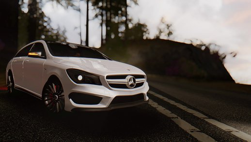 Mercedes-Benz CLA45 AMG Shooting Brakes Boss