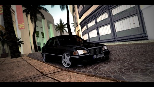 Mercedes W202 Black Bandit